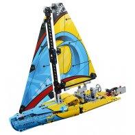 Racing Yacht LEGO Technic 42074