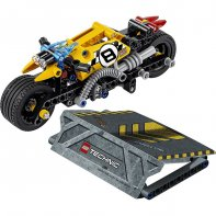 The Stunt Moto LEGO® TECHNIC 42058