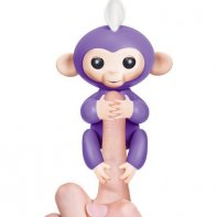 WowWee Fingerlings Mia - Violet