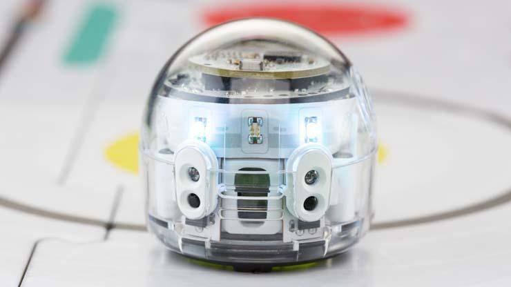 Test of the educational robot Ozobot Evo