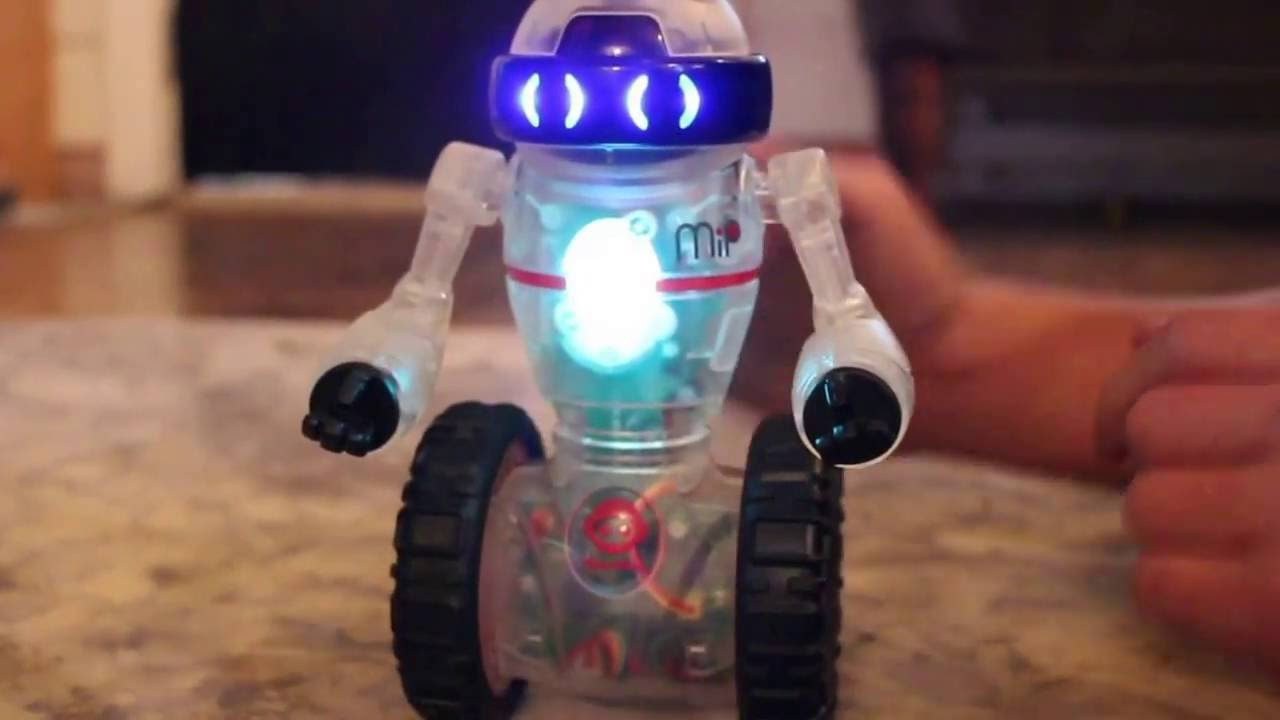 Coder MIP by WowWee: programmable and interactive