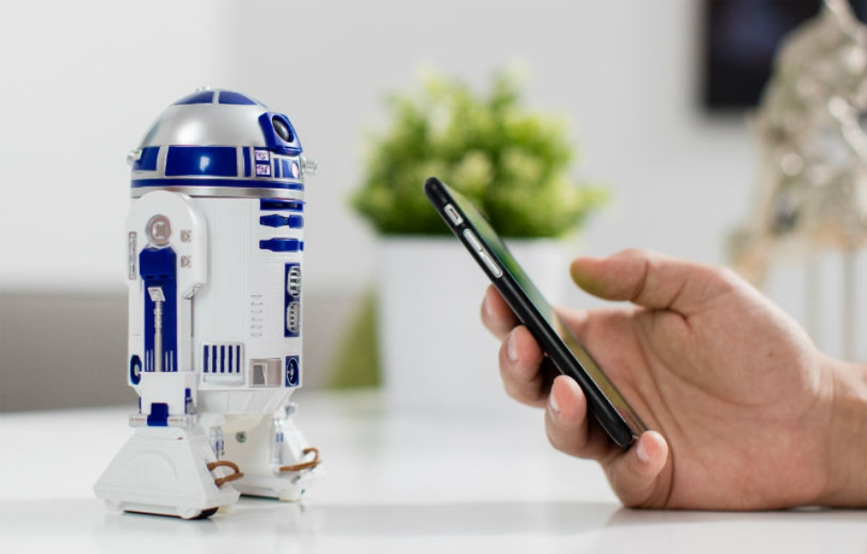 Sphero BB-9 and R2D2 from Sphero