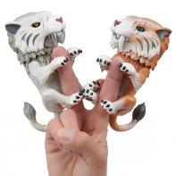 Fingerlings Untamed Tiger Sword Teeth