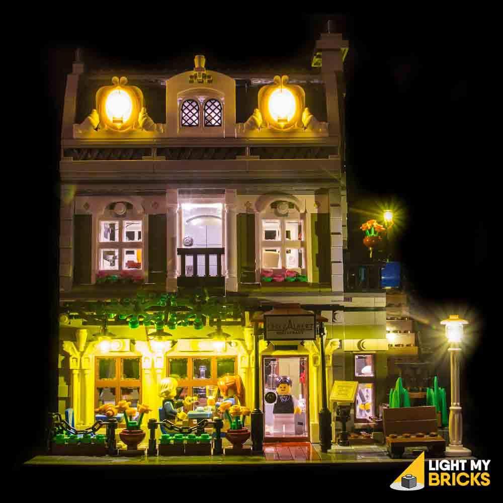 Éclairage restaurant parisien LEGO 10243