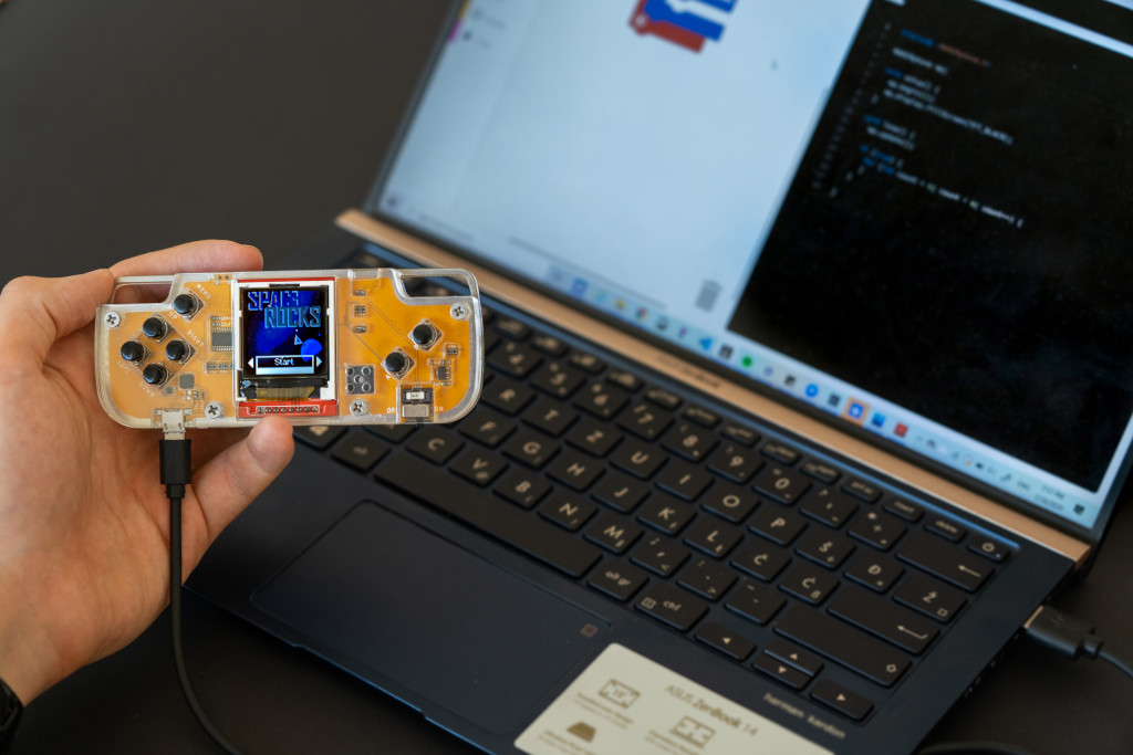 Nibble Programmable Game Console