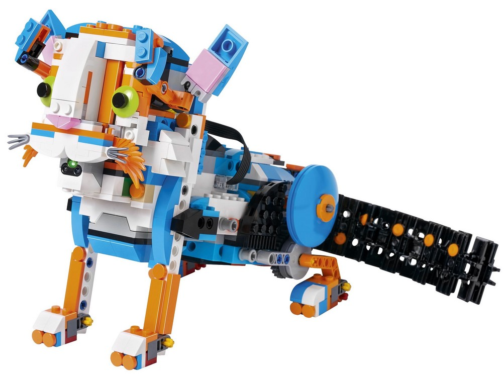 Frankie the cat lego boost