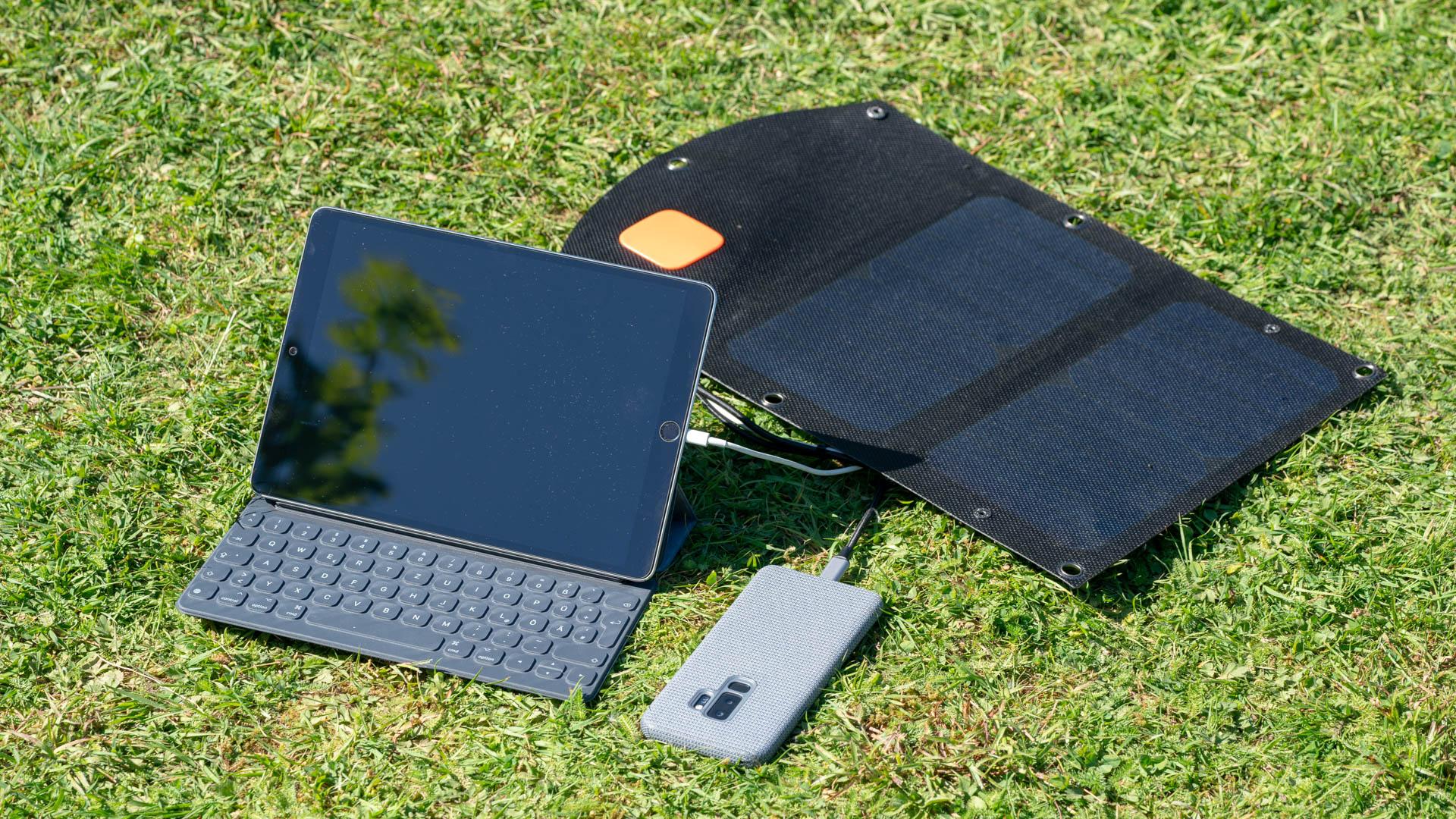 Panneau solaire mobile solarbooster 21w