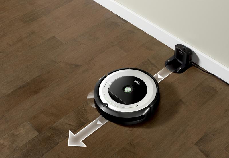 Le Roomba 691 aspire tout seul